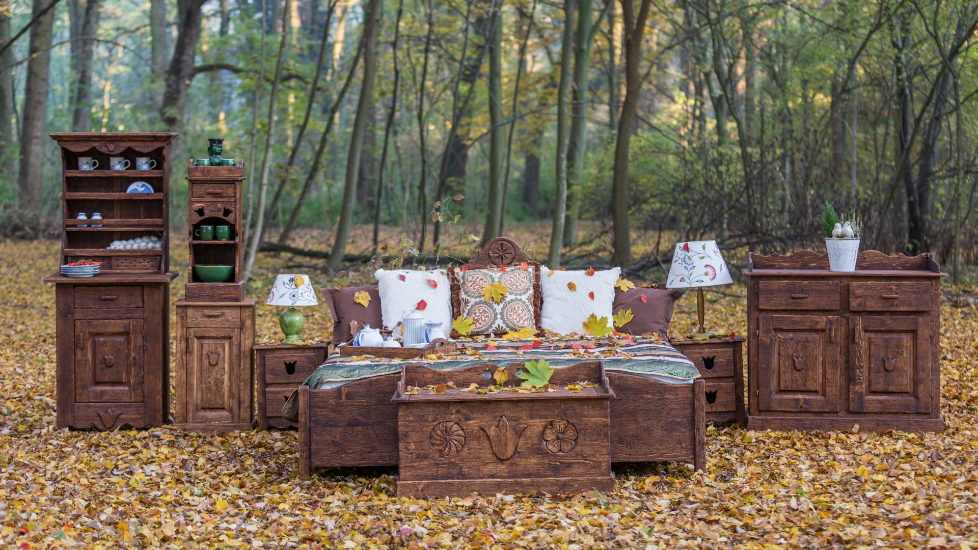 Antikolt népi bútorok